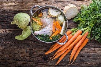 Recept na kuřecí nebo slepičí vývar – postup přípravy, suroviny a více variant receptu
