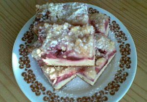 Jogurtovo-švestkový koláč