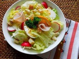 Ledový salát s krutony