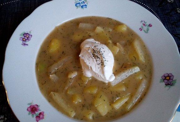 Kedlubnová polévka s bramborem photo-0