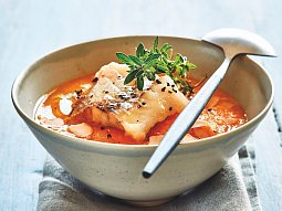 Rybí polévka s filetem z tresky