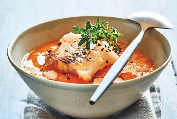 Rybí polévka s filetem z tresky photo-0