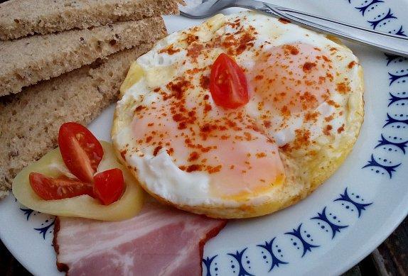 Uzená snídaňová vejce