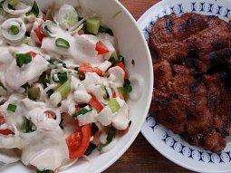 Zeleninový salát (nejen) ke grilovanému masu