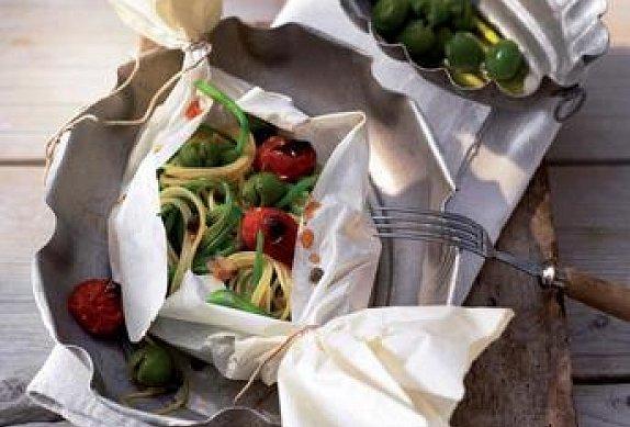 Těstovinový balíček se zeleninou
