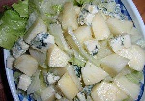 Podzimní salát se sýrem a medovou zálivkou