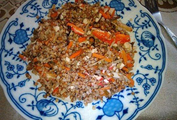 Pohanka s čínskou zeleninou a surimi
