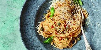 Špagety s pestem ze sušených rajčat