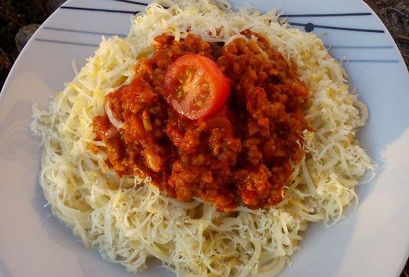Milánské špagety z mletého masa