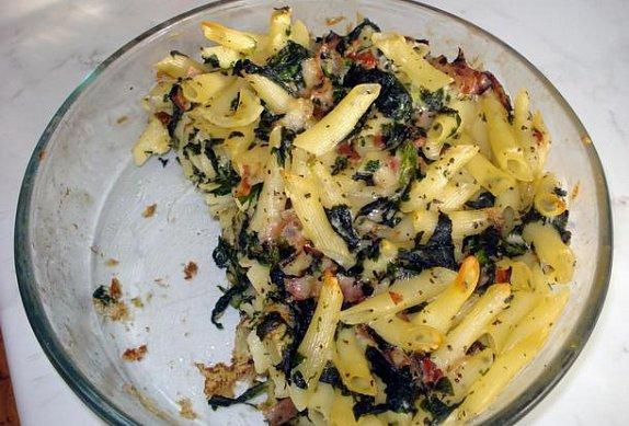 Zapékané těstoviny se špenátem a šunkou