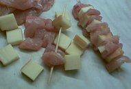 Sýrovo-kuřecí špízy