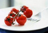 Pstruh s rajčatovou salsou a pomerančem