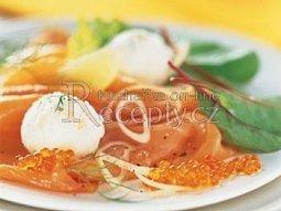 Lososový salát s citrónovým sorbetem