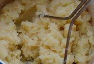 """Makové milouše"" - bramborové placky s povidly"
