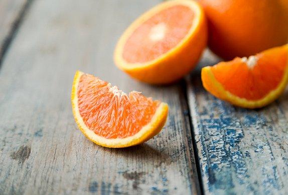 Grilovaná kachna na pomerančích