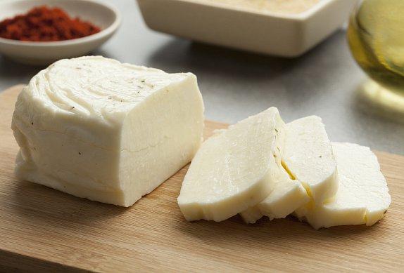 Restovaná zelenina se sýrem halloumi