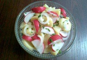 Ředkvičkový salát s bramborem - lehký
