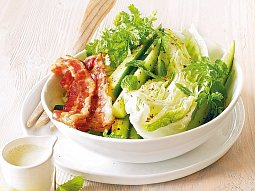Ledový salát s okurkou a mátou