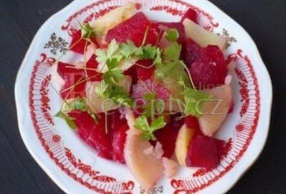 Salát z červené řepy a brambor - Balkán