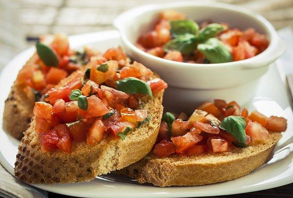 Italská kuchyně- předkrmy- brusketa