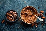 Kakaové kytičky s krémem s vaječným koňakem