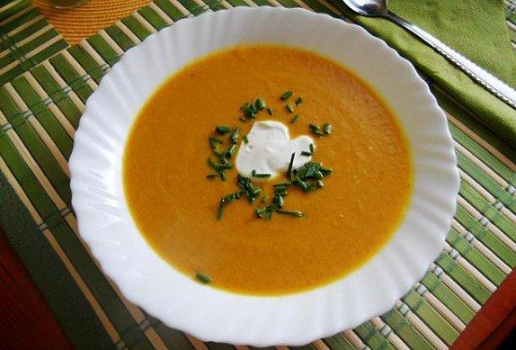 Orientální mrkvová polévka