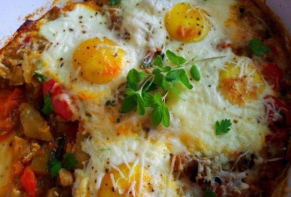 Zapečené ratatouille se sázeným vejcem