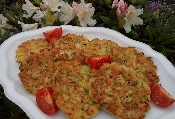 Cuketové placičky (nejen) s mozzarellou