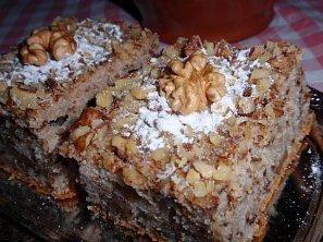 Kefírový koláč s ořechy