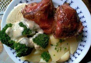 Kuře s brokolicí a hořčičnou omáčkou