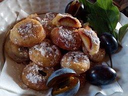 Švestky (ovoce) v lívancovém těstíčku