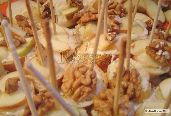 Silná česneková pomazánka na jednohubky