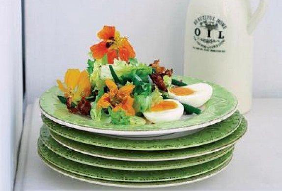 Jarní salát s vajíčky nahniličko