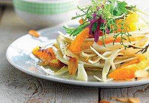 Fenyklový salát s mandlemi