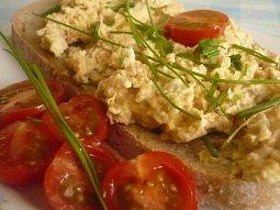 Drožďová pomazánka - nejlepší snídaně