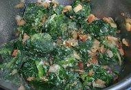 Dušený listový špenát na špeku (slanině)