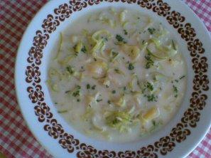 Smetanová pórková polévka s bramborem