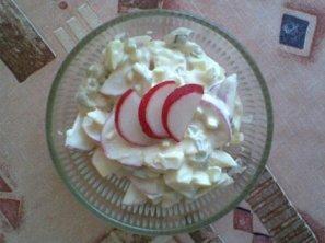 Vaječný salát s ředkvičkami