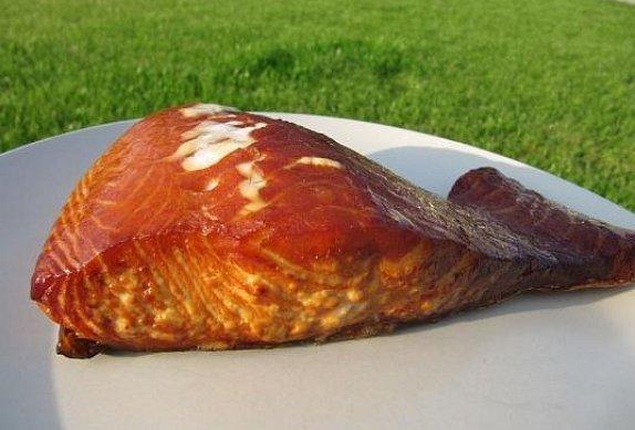 Uzený losos na grilu