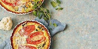 Květákový quiche s rajčaty