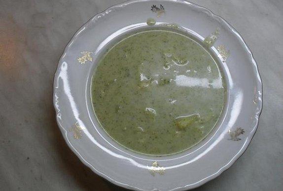 Brokolicová polévka bez smetany photo-0