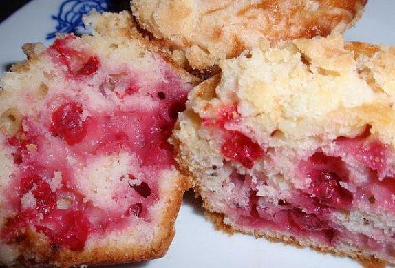 Jednoduché rybízové muffiny / koláč