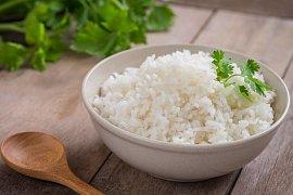 Vždy sypká a bílá dušená rýže