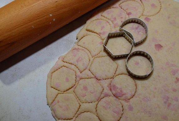 Jednoduché sýrové chuťovky (slané cukroví)