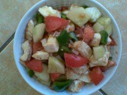 Zeleninový salát se sýrem