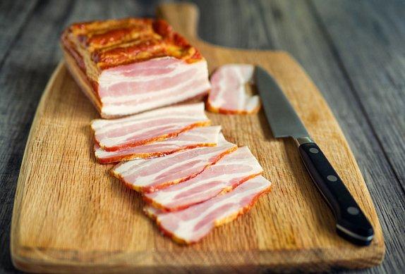 Sekaná roláda se slaninovou smaženicí
